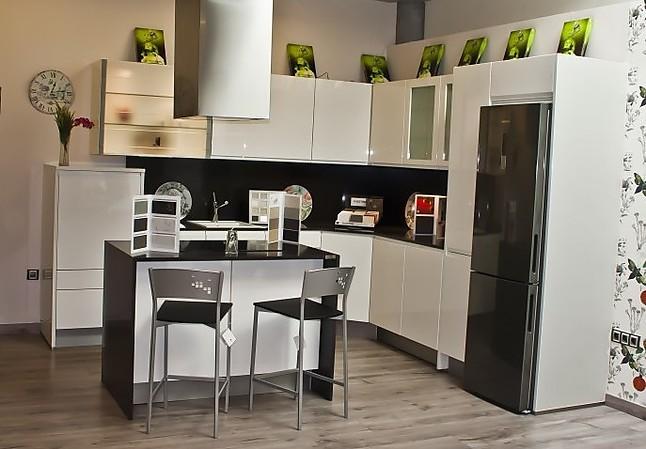 K chenhouse cocina de exposici n cocina de exposici n for Muebles de cocina en oviedo
