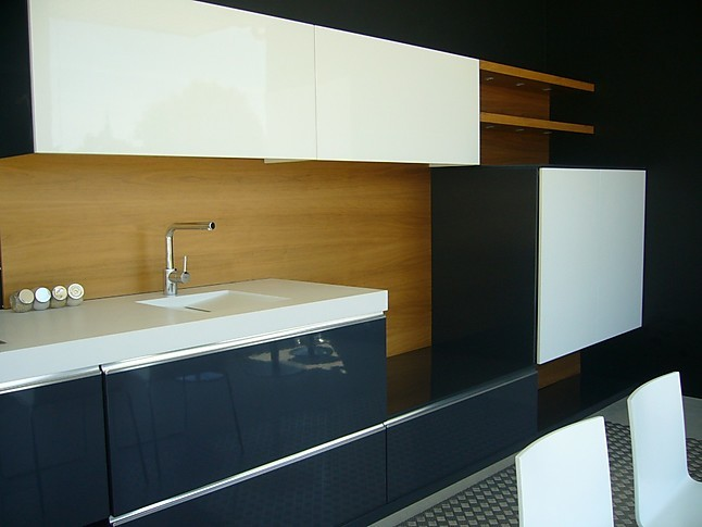 Otra cocina de exposici n mobiliario de cocina lacado gris for Ofertas cocinas de exposicion