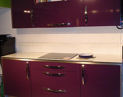 Cocina color berenjena latest emocin cocinas anten for Cocinas color berenjena
