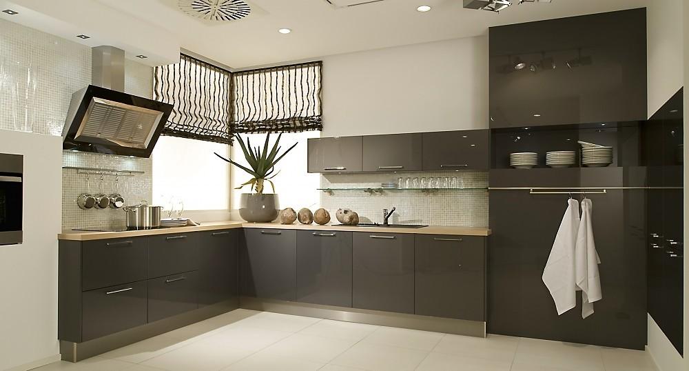 Cocina en l frentes lacados color antracita alto brillo - Cocinas modernas en l ...