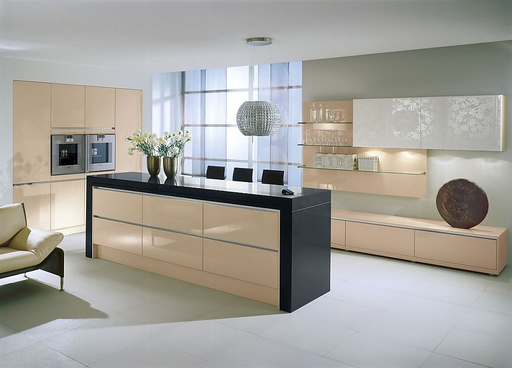 Isla de cocina con columna para electrodom sticos en - Cocinas con puertas de cristal ...