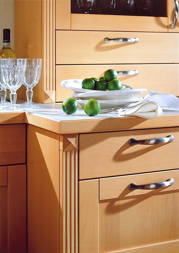 Cocina de madera de arce con pilastras - Cocinas exposicion ocasion ...