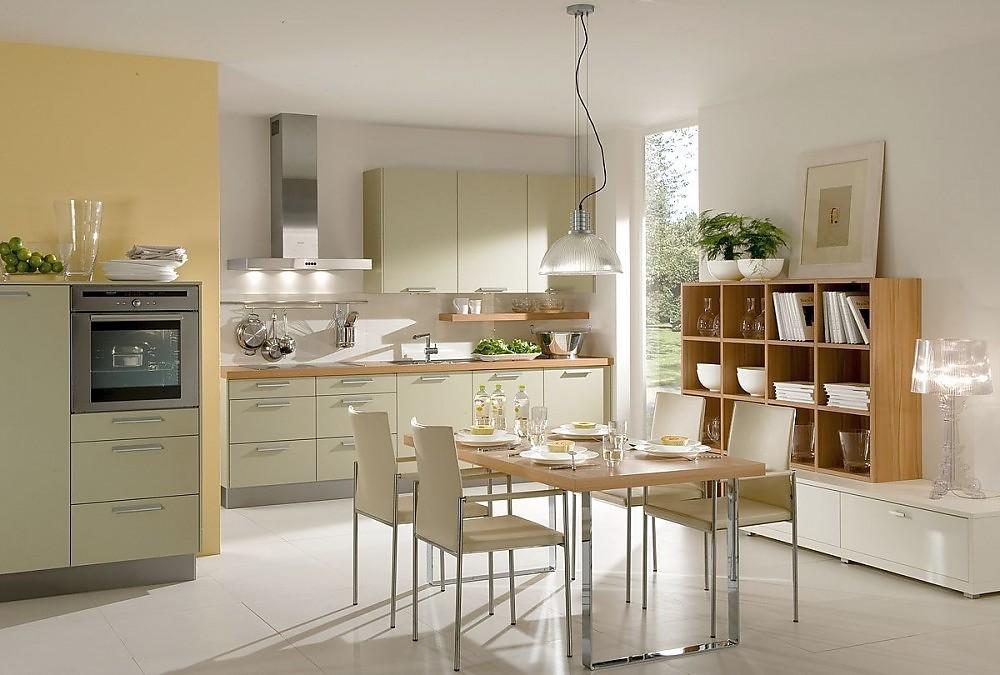 Cocina con aparador y estanter a en gris guijarro y madera - Cocinas madera clara ...