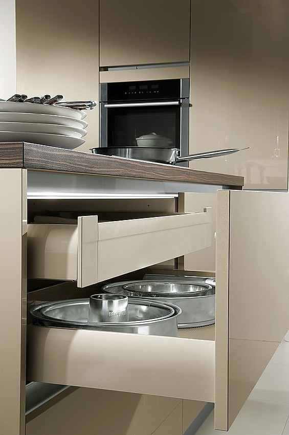 Isla de cocina en champ n con extra ble con equipamiento interior - Cocinas exposicion ocasion ...