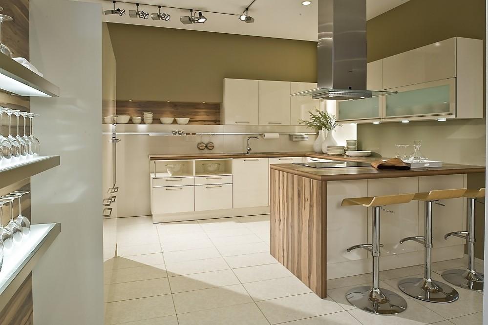 Cocina blanca en u con encimeras de madera - Cocina blanca encimera blanca ...