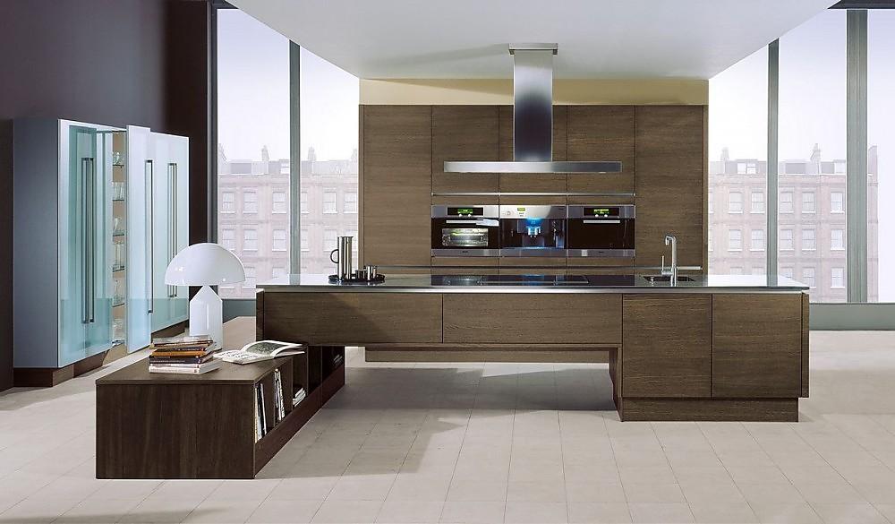 Isla de cocina en roble grafito con office y armarios - Cocinas con puertas de cristal ...