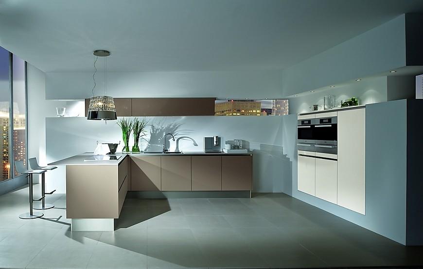 Fotos de cocina para inspirarse en la galer a de cocinas for Cocina blanca encimera beige