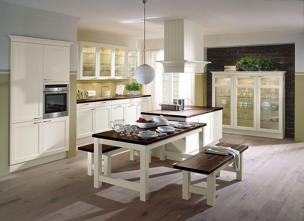 Isla de cocina con vitrina y mesa de cocina en blanco viejo y madera oscura - Isla de cocina con mesa ...