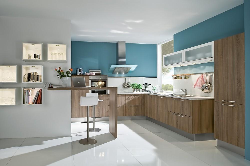 Cocina con frentes sint ticos imitaci n acacia con una for De que color con gris en una cocina