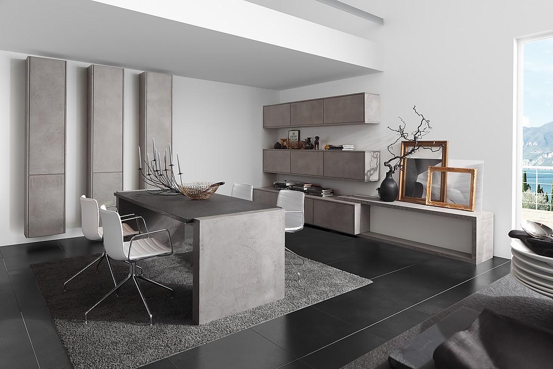 Cocina de diseño con frentes en marrón sepia de alto brillo