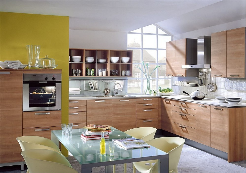 Cocina en l de madera de cerezo plateada for Cocinas en ele modernas