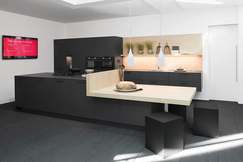Cocina en isla con barra Zerox HPL Carbon