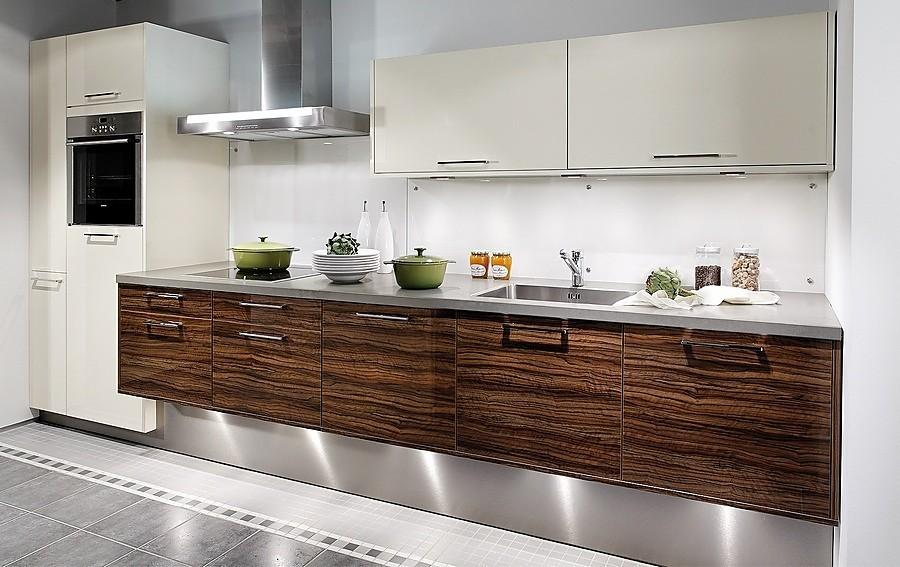 Boxes Cocina en línea blanca y en madera de olivo