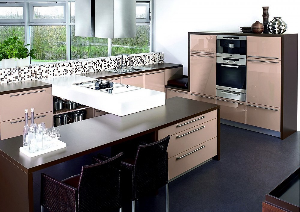 Isla de cocina agrylux cappuccino alto brillo y madera oscura - Cocinas exposicion ocasion ...