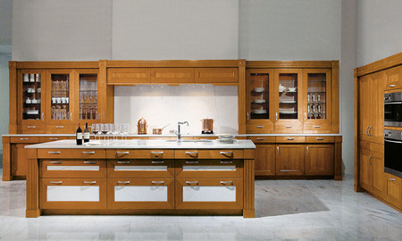 cocina de madera de frentes de cerezo