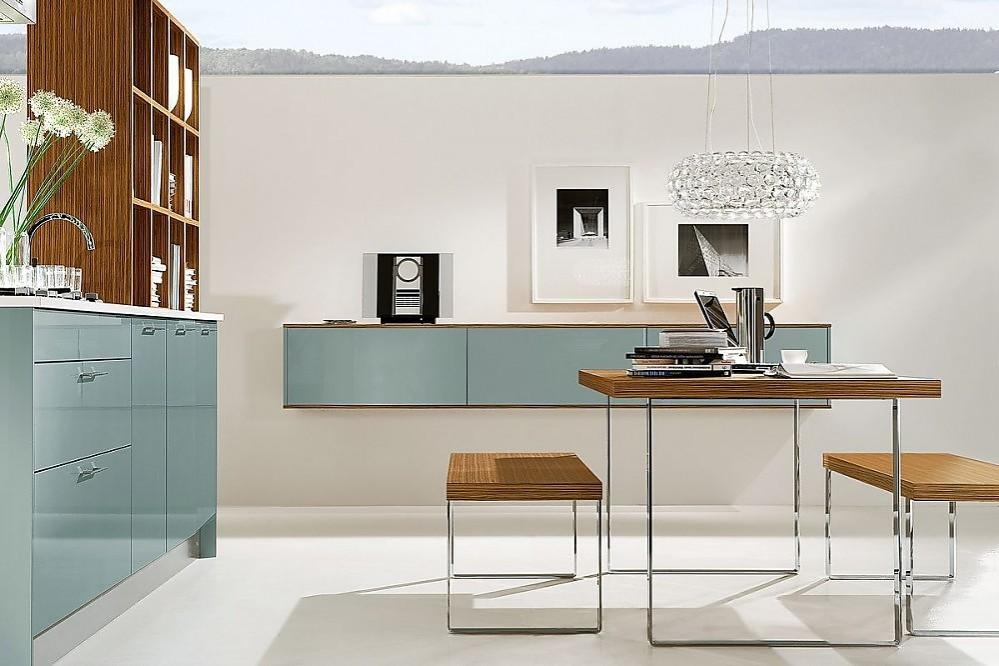 Cocina en l nea con oficce en madera de zebrano y azul acero for Planificador cocinas gratis