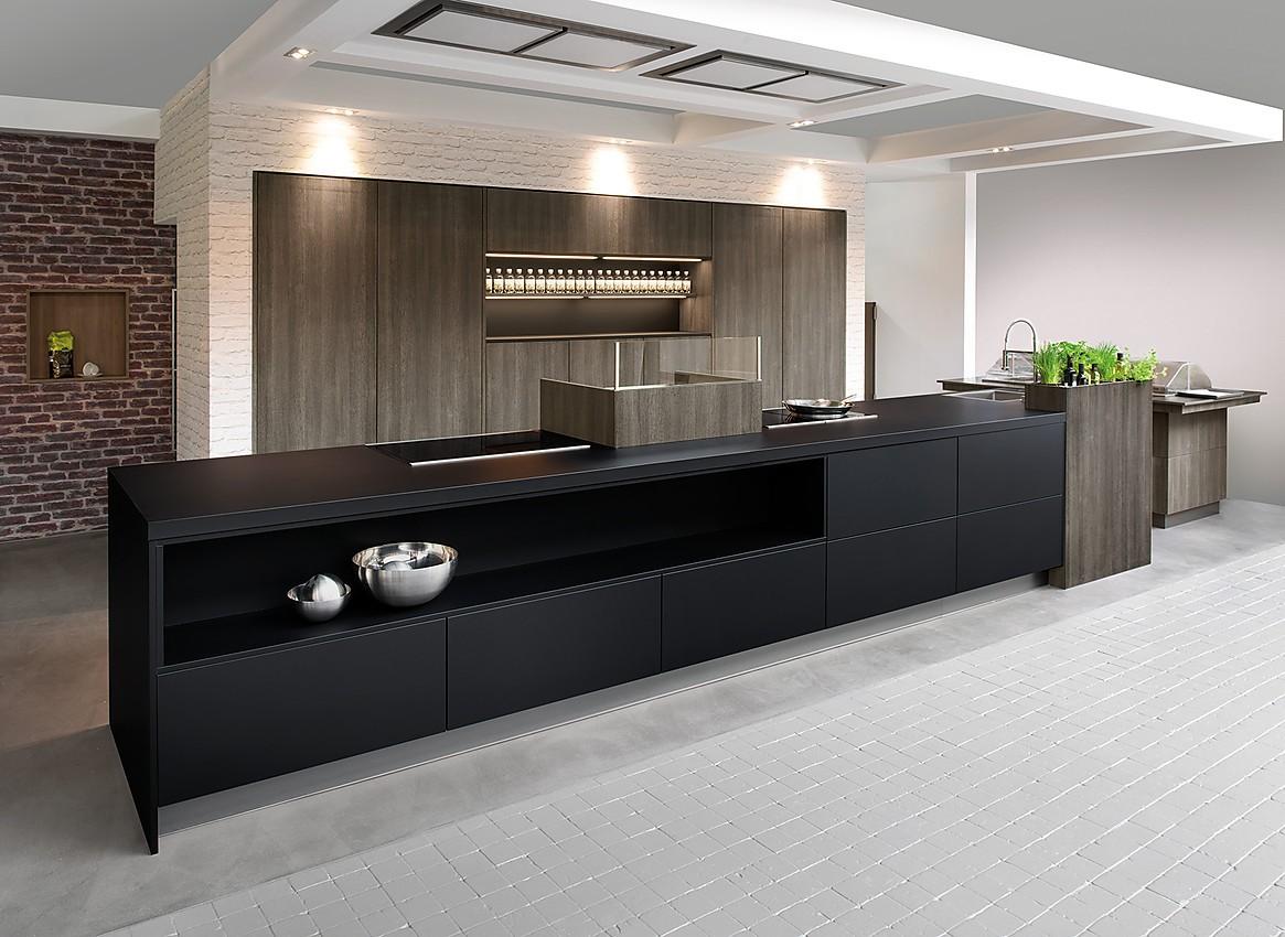modernas planungsart cocinas en lnea cocina de diseo purista con los frentes sin tirador el color negro de la isla